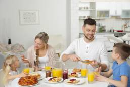 Ask an Expert - Five Reasons to Make Time for Family Meal Time